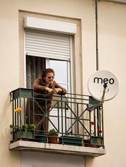 """O Solo ... "" (Canadapt) Tags: woman balcony satellitedish window blinds wall building alfama lisbon portugal canadapt street"