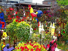 P6080801 (photos-by-sherm) Tags: good quilts retail garden flowers sculpture yard accessories amana iowa summer decorations metal