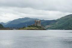 2013-08-06 S9 JB 66671#ht20 (cosplay shooter) Tags: uk greatbritain skye castle scotland isleofskye alba unitedkingdom britain highlander gb eileandonan sco burg 400x eileandonnain x201601