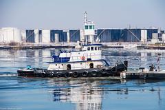 Stephen B (John Skelson) Tags: nyc newyorkcity nikon waterfront containership hapaglloyd kvk newyorkharbor bayonnenj containerships killvankull oilbarge mcallistertowing moran
