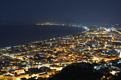 Terracina e il Monte Circeo - Nikon D7100 (francesco D7100-D750) Tags: city longexposure sea italy panorama costa mist mountain seascape night landscape coast town rocks italia mare view nightscape mount coastal panoramica vista cape monte nebbia roccia rocce seashore veduta capo notte paesaggio lazio citt rupe promontory terracina foschia promontorio litorale sanfelicecirceo lungaesposizione cittadina costiero areaurbana formazionerocciosa nikkorafsdx35mmf18g nikond7100