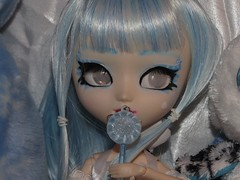 (ComatoseRain) Tags: blue white doll candy pullip icy custom whiteeyes pullipcustom