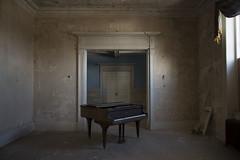 Virginia Plantation (katherinecaprio) Tags: old travel abandoned architecture decay adventure explore urbanexploration va plantation vacant derelict ue urbex