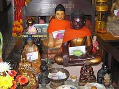 Buddhas in Wat Phnom