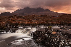 Sligachan River (Antonio Carrillo (Ancalop)) Tags: sunset mountains skye river atardecer scotland soft escocia 09 lee isle 1740mm montaas density ecosse neutral cuillin sligachan gradual canon1740mmf4l neutra gnd densidad glensligachan antoniocarrillo highlads canon5dmarkii ancalop lucroit leesoft09gnd wwwantoniocarrillocom