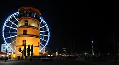 Dsseldorf bei Nacht2 (Ulrike Schumann) Tags: tower river lights bank promenade dsseldorf rhine rhein riesenrad televisiontower rheinturm schlosturm wheelofvision