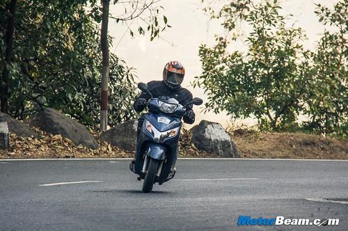 2015-Honda-Activa-125-Long-Term-04