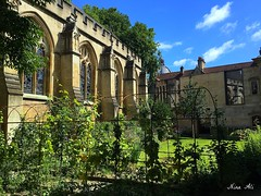 Oxford Architecture (Nina_Ali) Tags: oxford college university garden summer iphone6s ninaali