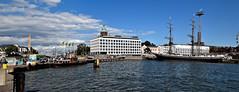Port of Helsinki 4 (Xevi V) Tags: sea panorama water finland landscape mar helsinki view airelliure portofhelsinki finlndia isiplou