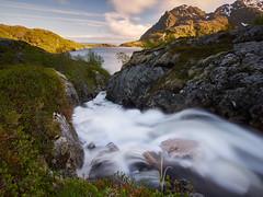 Wasserfall bei Sorvagen (stefandinkel) Tags: stefandinkel olympusomdem1 wasserfall waterfall norwegen lofoten mft m43 moskenesya