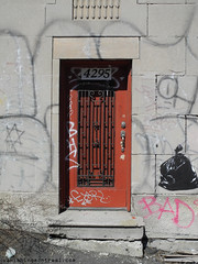 Door to abandoned building on Richelieu (Vanishing Montral) Tags: history villedemontreal montreal histoire photography art architecture demolition disappearinghistory newconstruction