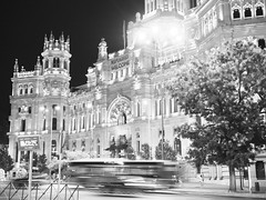 Madrid glows (pablo_mpa) Tags: nohdr night noche lights luces madrid palacio cibeles palace edificio building correos arquitectura architecture