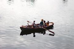 Little boat (cchana) Tags: blackpark park pond lake boat rowingboat model people