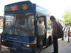 33217 V517XTL Retford on 99 (dearingbuspix) Tags: stagecoach 33217 stagecoachlincolnshire stagecoacheastmidlands v517xtl stagecoachlincolnshireroadcar