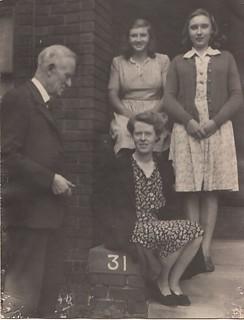 Photograph of Roderick James Maclennan (1863-1954) and Jean Elizabeth Helen Maclennan (1899-1973)