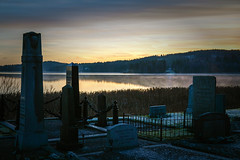 Light & death (PixPep) Tags: graveyard beautifullight beautifulsunset beautifulcolours canoneos1dsmarkiii pixpep
