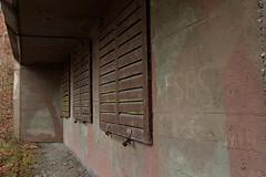 Infanteriebunker Auwald VI A2042 ( Militärbunker Bunker - A 2042 ) der Sperre - Sperrstelle Auwald des Reduit aus dem zweiten Weltkrieg der Reduitbrigade 21 im Wald Auwald bei Wimmis im Berner Oberland im Kanton Bern der Schweiz (chrchr_75) Tags: chriguhurnibluemailch christoph hurni schweiz suisse switzerland svizzera suissa swiss chchr chrchr75 chrigu chriguhurni 1501 janaur 2015 hurni150115 albumzzz201501januar chrchr januar januar2015 albumkleinesstachelschweinreduitbrigade21 reduit reduitbrigade 21 reduitbrigade21 landesverteidigung armee militär zweiter weltkrieg second world war