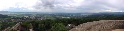 Panorama na Kotlinę Jeleniogórską z punktu widokowego na wieży Zamku Chojnik