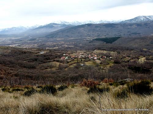 MARCHA-371-los-pueblos-abandonados-valle-de-aravalle-avila-senderismo (18)