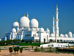 Sheikh Zayed Mosque in Abu Dhabi (santaferelocationservices) Tags: white building architecture minaret muslim islam traditional famous religion uae middleeast culture belief landmark mosque arabic holy emirates abudhabi dome marble arabian oriental majestic sheikh sheikhzayed grandmosque placeofworship exteriorview sheikhzayedmosque middleeasternculture