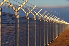 Fence on the runway nort-west in sunset, FRA - EDDF (Bernd 2011) Tags: sunset fence sonnenuntergang zaun fra eddf