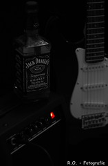 Jack Daniel`s on Rock-Tour (R.O. - Fotografie) Tags: music rock metal canon jack eos rockmusic daniels heavy flasche schnaps colorkey rockmusik 600d whyskey