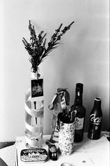 Detalhes (Gabriela Mendes ) Tags: blackandwhite portrait retrato black white pretoebranco personal room porto portugal identidade life vida cotidiano