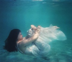 Floating (Alice Consonni) Tags: sea portrait sun selfportrait water girl self photography photo nikon underwater photoshoot artistic alice under bad floating sunny portraiture noise amateur developed disposable badquality d80 consonni