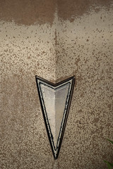 Pontiac-7993 (blairware) Tags: summer hot gold 60s canadian ornament hood pontiac junkyard hoodornament parisienne foolsgold tarnished mcleans notarolls