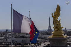 paris opera (apparencephotos) Tags: paris france opragarnier opra toureiffel drapeau flag europen grandpalais