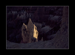 Last Light (tkimages2011) Tags: hoodoos rocks bryce canyon utah national park sunlight sedimentary geology landscape light paunsaugunt plateau hoodoo