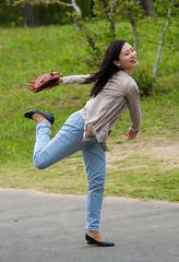 Pretty Pitcher (aeschylus18917) Tags: park woman flower cute sports nature girl beautiful smile japan play baseball  catch  throw ibaraki mitt 80400mm followthrough hitachinaka ibarakiken     hitachinakashi hitachiseasidepark danielruyle aeschylus18917 danruyle druyle   kokueihitachikaihinken