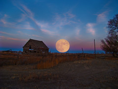 Moon Rise On The Ranch (Tom Herlyck) Tags: ranch old light sunset sky moon abandoned beautiful clouds barn crazy amazing colorado december farm neglected fullmoon decaying highplains pueblocounty southeastcolorado southeasterncolorado