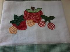 """20150223_142526 (""""ARTEIRICES"""" By R IANGUAS) Tags: frutas de patchwork morango copa panos cozinha cereja maa pera apliqu futas panosdepratos"""