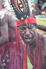 Gogodala visitor 2 (Sven Rudolf Jan) Tags: dancing traditional papuanewguinea alotau gogodala canoeandkundufestival