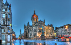 St Giles on the Royal Mile, Edinburgh (charlieinlesmahagow) Tags: uk winter cemetry blackandwhite abstract colour church graveyard night photography evening scotland photo interesting edinburgh icons different rooftops edinburghcastle photos pics colorfull unique empty churches cathedrals scottish photographic best historic nighttime lincoln royalmile historical colourful catherdral iconic deserted hdr stgiles overview calton photogenic westlothian ecosse theroyalmile historicbuildings citiscapes 2015 capitalcity historicalmonuments stcolumba historicmonuments capitolcity courful iconicimages touristdestination mostunique oldedinburgh swcotland capitalofscotland iconicviews iconicplaces charlieinlesmahagow photographicedinburgh photographicbuildings charliefaescotland bestcomposed