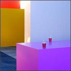 pink (misone2000) Tags: madrid pink rot kaffee gelb tisch becher farben weis misone2000