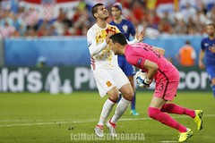 Croatia vs Spain (Kwmrm93) Tags: france sports sport canon football fussball soccer futbol futebol uefa fotball voetbal fodbold calcio deportivo fotboll  deportiva esport fusball  fotbal jalkapallo  nogomet fudbal  euro2016 votebol fodbal