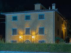 casa e illuminazione (conteluigi66) Tags: edificio paint filter filters casa lampione lampioni luce luci illuminazione finestre finestra cornici