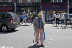 Walk the line (IanAWood) Tags: london streetphotography knightsbridge urbanlife summerinthecity walkingwithmynikon nikondf nikkorafs58mmf14g