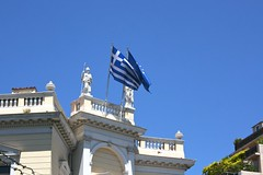 (Brian Aslak) Tags: athens attica greece hellas    europe buidling greek flag bandera lippu