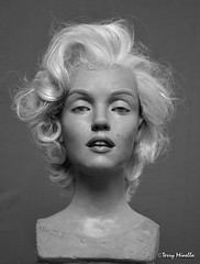 Marilyn Monroe sculpture face (Terry Minella) Tags: hollywood scale11 sculpture diva cinema celebrity movies marilyn monroe marilynmonroe lifesize schaufensterfigur figur