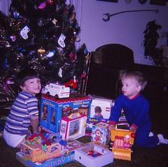 Christmas 1975 (Stabbur's Master) Tags: christmas christmasdecorations christmastree christmasgifts fisherprice fisherpricetoys batman robin batmanandrobin fisherpricerescue fisherpricetv fisherpricesesamestreet fisherpricedumptruck candyland jackinthebox sesamestreet