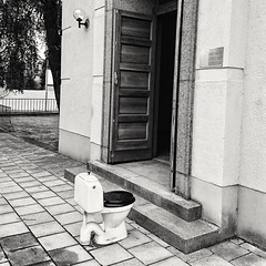 The Swedish summer is short, so we take the opportunity to be outdoors as much as possible. ;-) (Per sterlund) Tags: bnw bw toilet baw monochrome sonyz5compact sony stockholm sweden scandinavia wc schweden suecia sude 2016