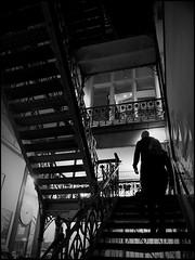 Rotterdam (NL) - 2016/03/27 (Geert Haelterman) Tags: geert haelterman streetphotography straatfotografie photographiederue photoderue fotografadecalle fotografiadistrada strassenfotografie candid streetshot monochrome black white blackandwhite zwart wit nederland holland rotterdam olympus omdem10