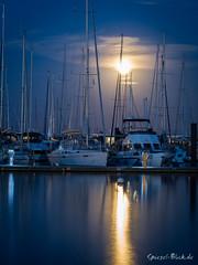Harbour in moonlight (Ineound) Tags: spiegelblickde spiegelblick 75mmf18 f18 mzuiko digital 75mm 118 olympus75mmf18 mzd75 150mm olympus micro four thirds mft m43 microfourthirds omd em5 43 spiegelblickde spiegel blick boltenhagen baltic sea ostsee night moon mond
