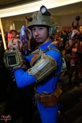Dragoncon 2016 Cosplay (V Threepio) Tags: dragoncon2016 cosplay costume photography cosplayer photoshoot posing sonya7r 2870mm unedited unretouched straightfromcamera fantasy scifi comiccon dressup modeling atlanta outfit geekculture comics dc2016 fallout yasutano guy raygun