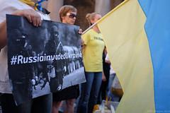 (Jpierrel) Tags: rome roma italia fuji flag pantheon ukraine fujifilm italie drapeau x100s
