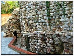 Muralles, Caldes de Montbui (Jess Cano Snchez) Tags: espaa canon spain ruins catalonia ruinas catalunya walls middleages catalua valles ruines espanya vallesoriental murallas muralles powershotg3 caldesdemontbui elsenyordelsbertins barcelonaprovincia gebracb