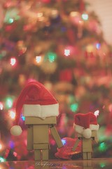 No Job Too Big! (//ZERO) Tags: santa christmas anime toy toys bokeh manga christmastree christmaslights presents christmasdecorations christmasdecoration otaku yotsuba danbo toyphotography danbooru revoltech danboard danboru christmas2014